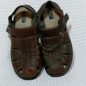 Docker's Brown Leather Fisherman Sandals